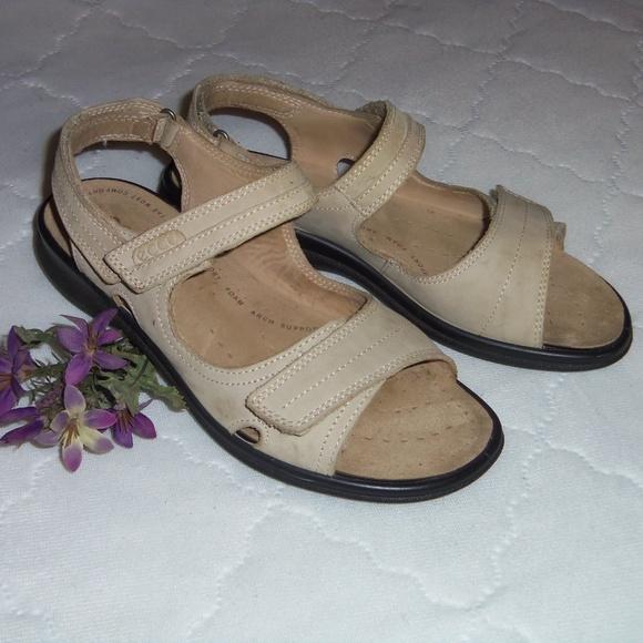 6d6a303ce40 Ecco Shoes - Ecco beige strappy walking sandals EUR 38